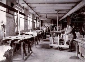04-Maskinsal-o-limrum-1909-300x218