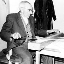 B-Nilsson-spelar-psalmodikon