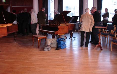 KH invigning 29 mars 2008 i pausen får teknikern jobba.